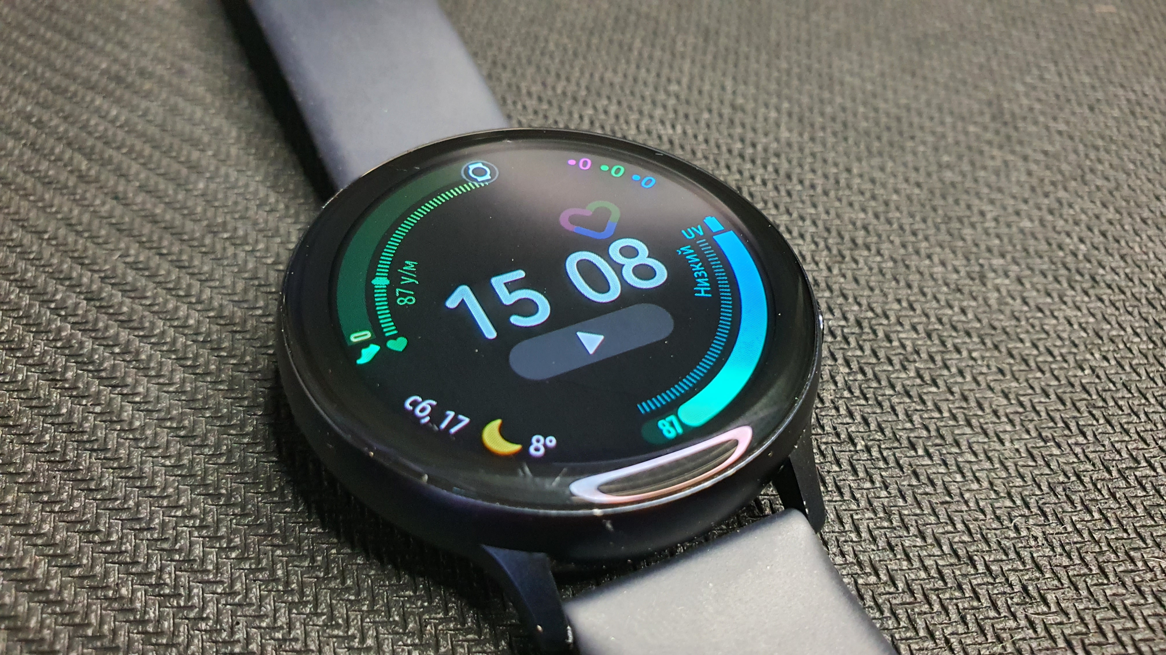 Samsung Galaxy Watch Active 2 общий вид
